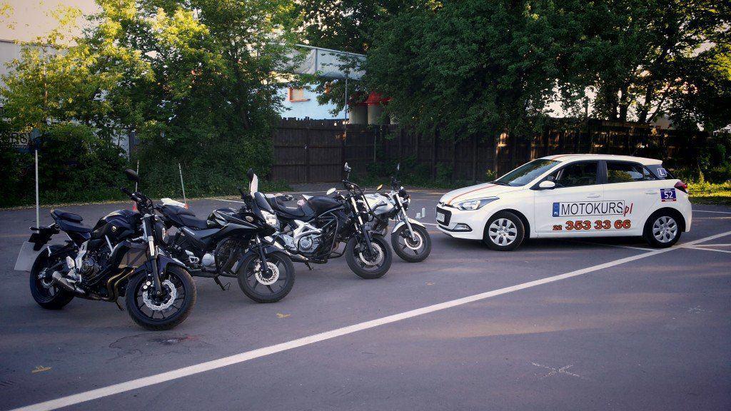 Obrazek posiada pusty atrybut alt; plik o nazwie samochod_i_motory_do_nauki__dla_ursantow_moto_kurs-1024x576-1024x576.jpg